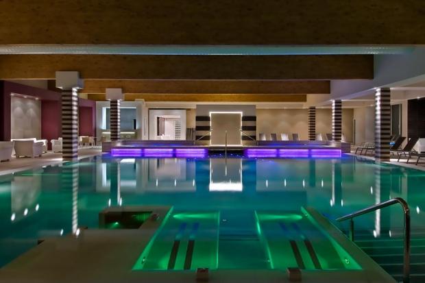 pool_california01
